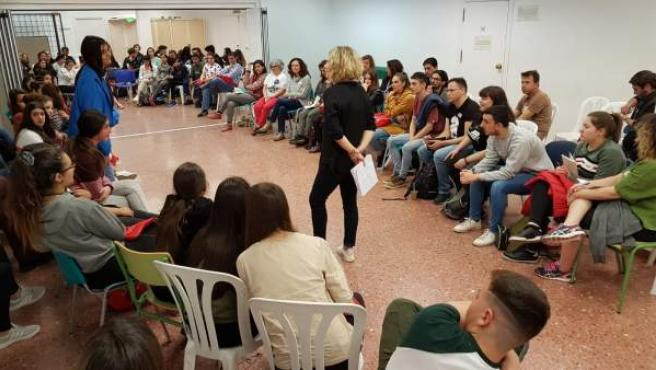 Córdoba.- Más de 100 personas asisten al encuentro de participación juvenil en e
