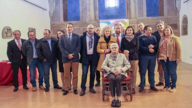 Carmen Lacal recibe el 'Premio Mujer del Año' de la Mancomunidad de Liébana y Pe