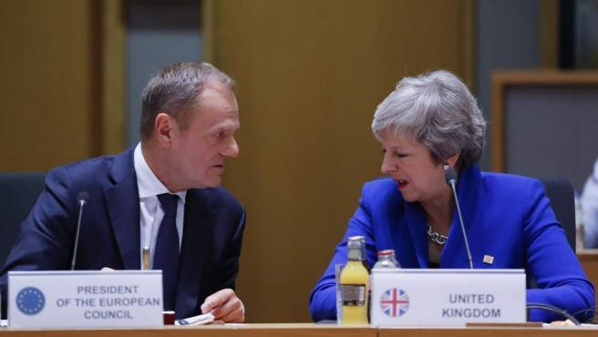 Theresa May y Donald Tusk, en Bruselas.
