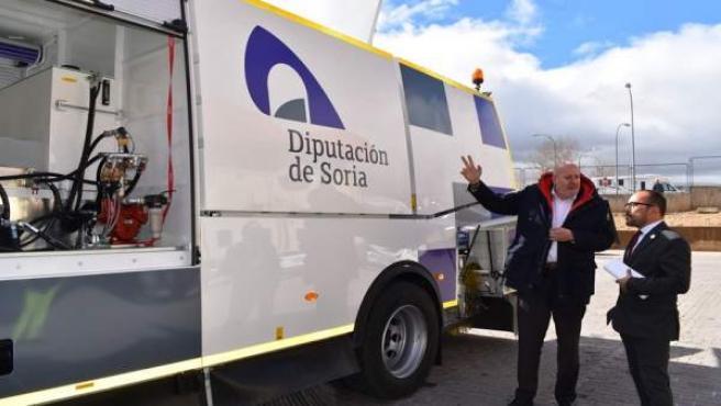 La Diputación de Soria incorpora un nuevo camión para la limpieza de carreteras
