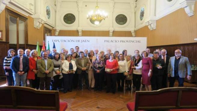Jaén.- MásJaén.- Diputación reconoce a una treintena de trabajadores con más de