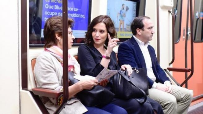 Diaz Ayuso, durante su visita al Metro.