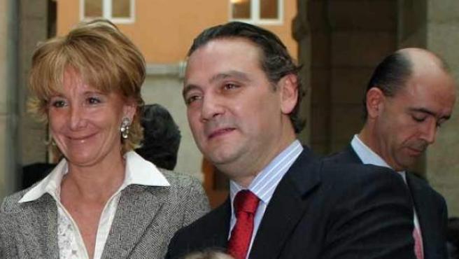 Alfredo Prada, junto a Esperanza Aguirre, en una imagen de archivo.