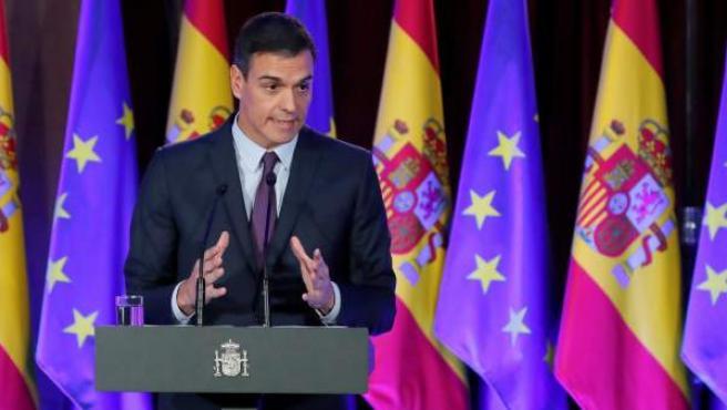 """El presidente del Gobierno, Pedro Sánchez, interviene en el acto """"Proteger el ideal de Europa""""."""