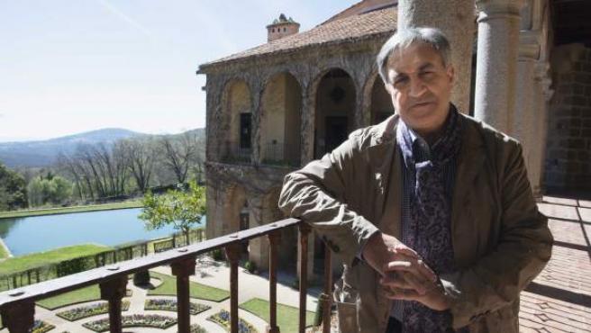 El historiador y escritor José Luis Corral en el Monasterio de Yuste.