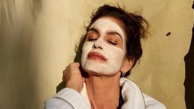 La modelo Cindy Crawford comparte sus rutinas de belleza en Instagram.