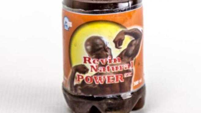 Una botella de 'Natural Power SX Energy Drink'.