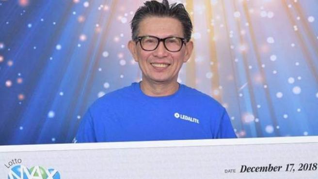 Hung S., el canadiense que jugaba a la Lotería con sus compañeros y huyó con el premio.