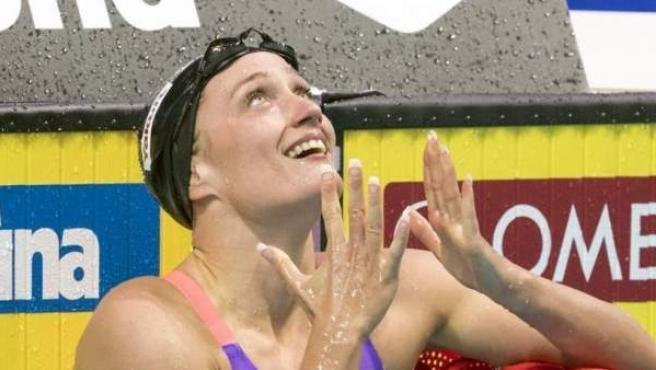 Es la gran referente de la natación española. Campeona olímpica, mundial y europea que ya suma más de 40 medallas en grandes competiciones internacionales. Compite en las categorías de estilos, mariposa y libre.
