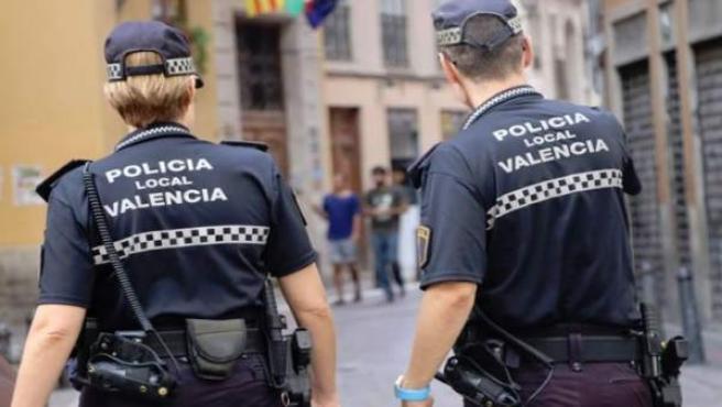 Detingut un jove de 18 anys a València per agredir la seua parella perquè no vol
