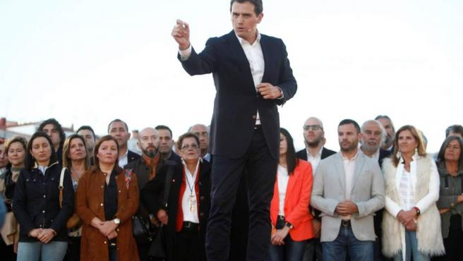 El presidente de Ciudadanos, Albert Rivera, durante el encuentro celebrado en A Coruña.