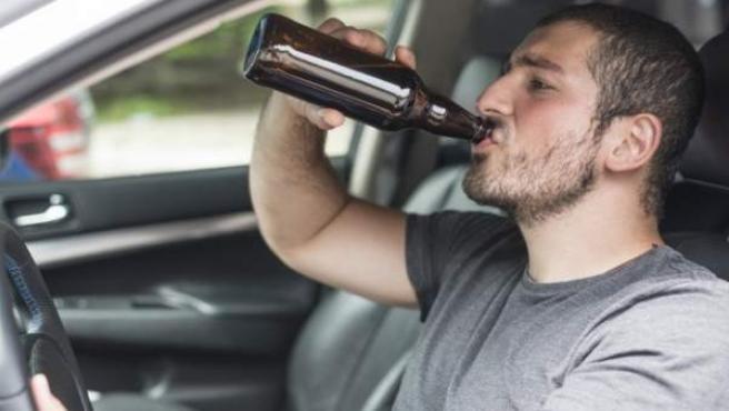 Si el conductor no responde a las señales de advertencia, será el propio automóvil el que intervenga.