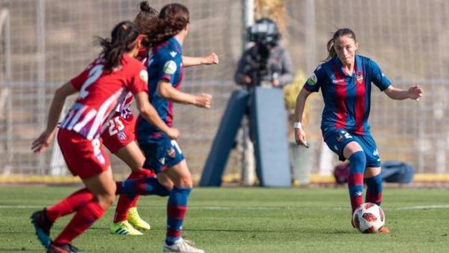 Partido entre Levante UD y Atlético de Madrid femenino.