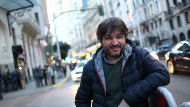 El periodista Jordi Évole, en la Gran Vía de Madrid.