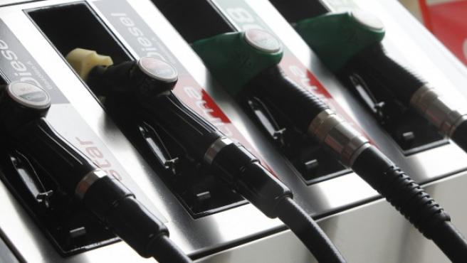 El diésel es más contaminante que la gasolina, ya que además de CO2, desprende óxidos nitrosos y partículas en suspensión.