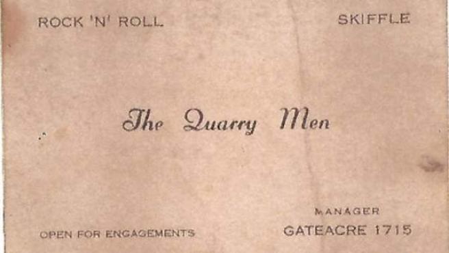 Tarjeta de visita de The Quarry Men, el grupo predecesor de los Beatles.