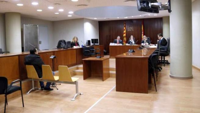 El acusado en el juicio en la Audiencia de Lleida.