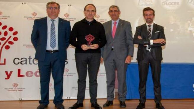 Cáritas Española recibe el Premio Especial Escuelas Católicas CyL