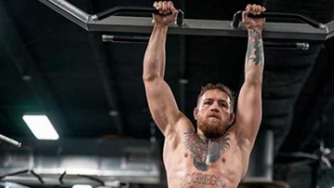 Conor McGregor entrenando.