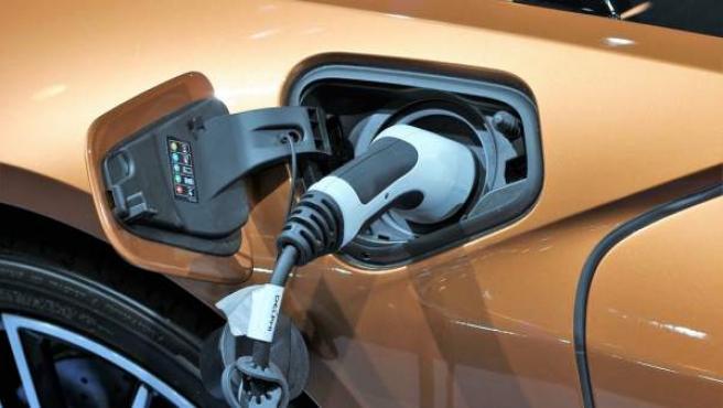 Una menor contaminación o un mantenimiento más barato son algunas de las razones por las que elegir un coche eléctrico.