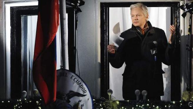 El fundador de Wikileaks, Julian Assange, durante un discurso en la embajada de Ecuador en Londres, Reino Unido.