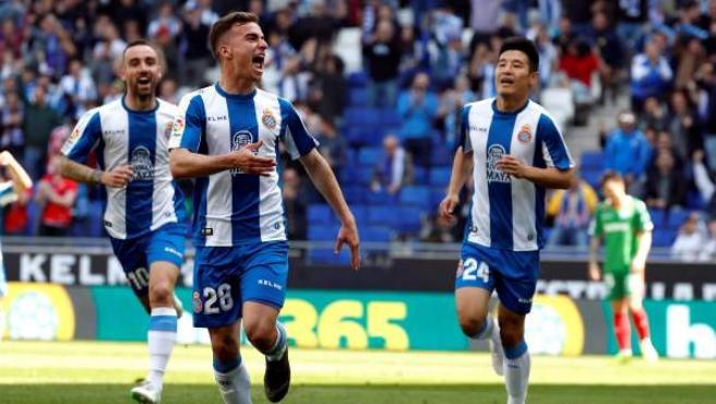 Adriá Pedrosa celebra el gol que anotó al Alavés.