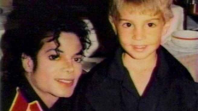 Michael Jackson y Wade Robson, cuando éste era niño.