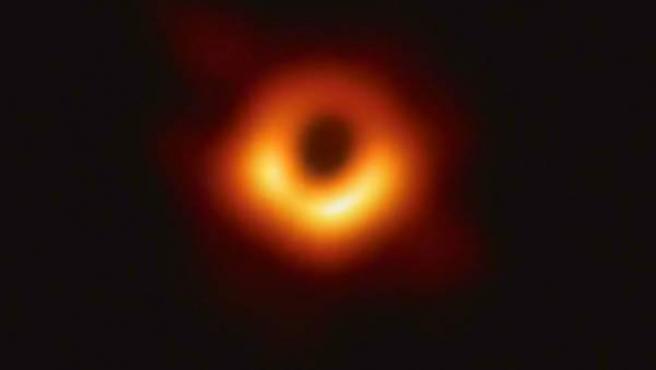 Primera fotografía de un agujero negro.