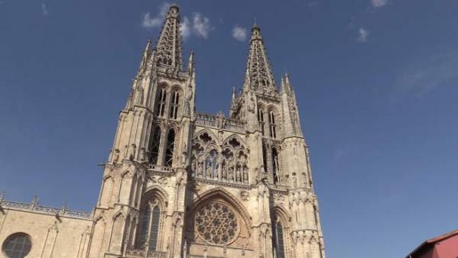 Burgos vive con intensidad el incendio de Notre Dame, 'madre' de la Catedral de Santa María