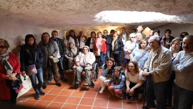 Paterna Realiza La Primera Ruta Turística Guiada Por Las Cuevas De Almodóvar
