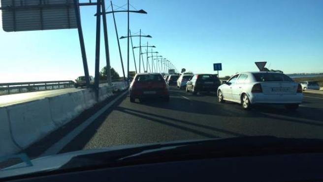 Atasco en el Puente del Odiel