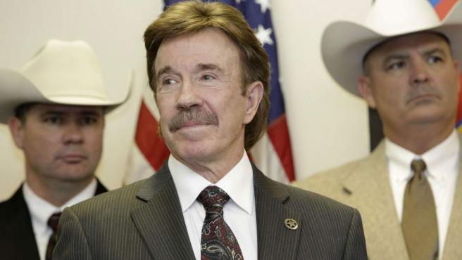 Chuck Norris, a pesar de que manifestó que quería ser el presidente de un Texas independiente de Estados Unidos, es otro de los candidatos de los usuarios del mencionado portal para coger las riendas del país en 2020.