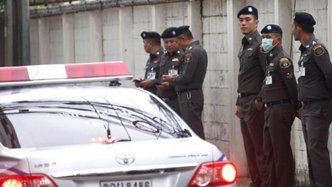 Agentes de la policía tailandesa.
