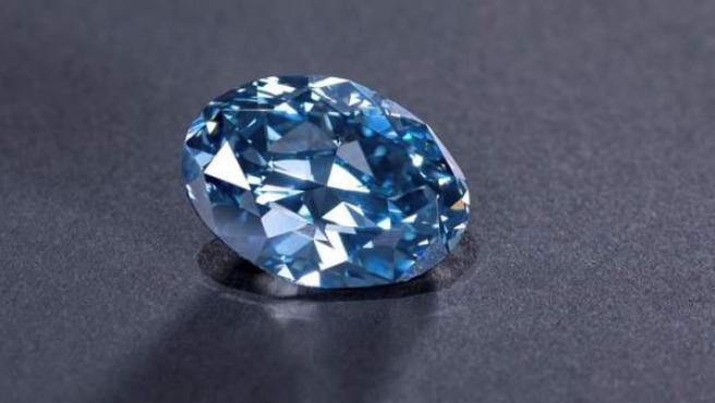 El diamante 'Okavango Blue', de 20,46 quilates, una piedra encontrada en la mina de Orapa, en el este de Botsuana.