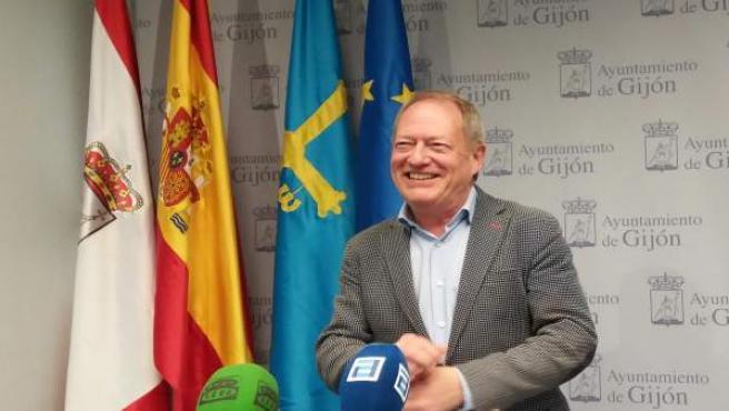 Aurelio Martín (IU Xixón) ve 'suicida' ir de número 3 con Podemos al Congreso pe