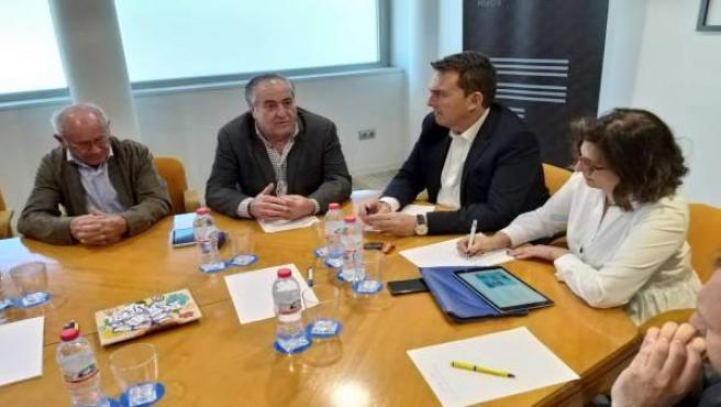 PP apoya a la industria del automóvil con ayudas fiscales 'mientras el PSOE la castiga con nuevos impuestos'