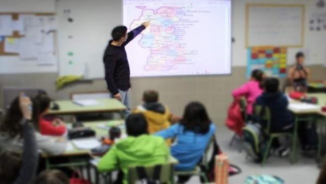 Professors alerten que hi ha 1.300 places per catalogar i exigeixen a Educació conéixer els criteris tècnics