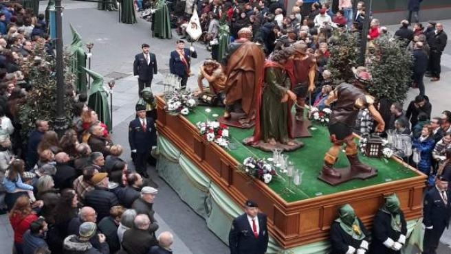 S.Santa.- Miles de personas acompañan la Procesión General de Viernes Santo de Valladolid