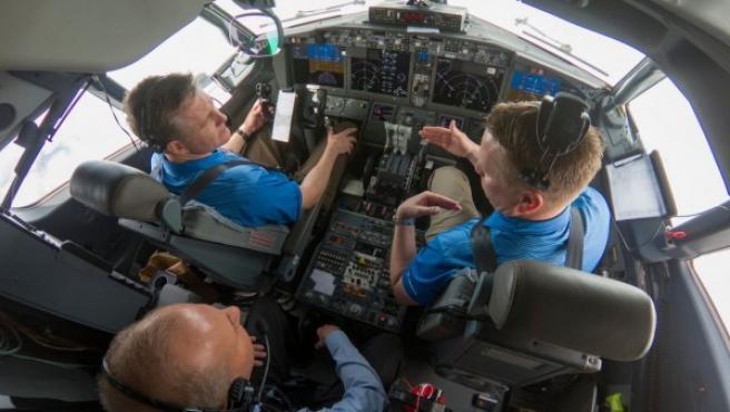 Interior de un Boeing 737 Max 7 durante un vuelo de prueba para comprobar la actualización del software.