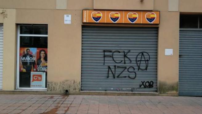 Cs denuncia pintadas en su sede de Roda de Berà (Tarragona)
