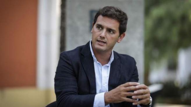 Albert Rivera no felicitó personalmente a Pedro Sánchez hasta ayer por la tarde.