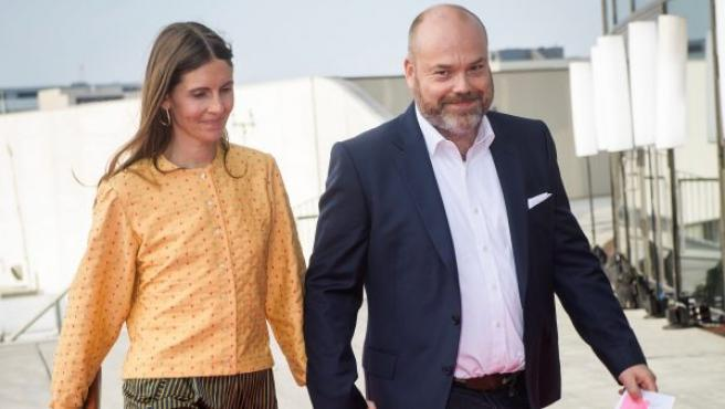 Imagen de archivo de empresario danés Anders Holch Povlsen y su mujer, Anne, a su llegada a una fiesta en Copenhague.
