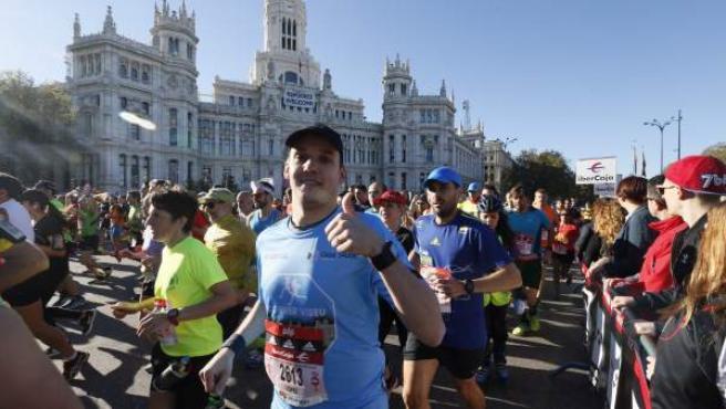 Las calles de Madrid se convirtieron en la inmensa pista atlética que acoge el 40 Maratón Popular de Madrid.