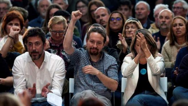 Iglesias participa en un mitin en Vigo junto con los candidatos al Congreso de En Común Unidas Podemos.