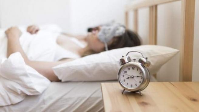 Dormir 16 minutos menos de lo normal eleva los niveles de estrés y proporciona un sueño de peor calidad.