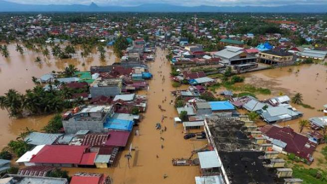 Inundaciones en Indonesia: cinco muertos, la capital semiparalizada