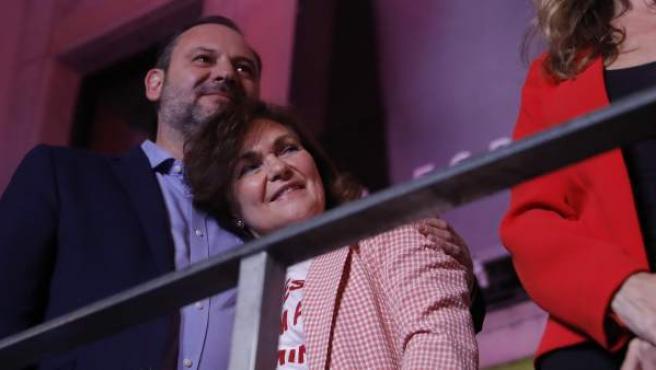 Ábalos y Calvo, tras la victoria electoral.