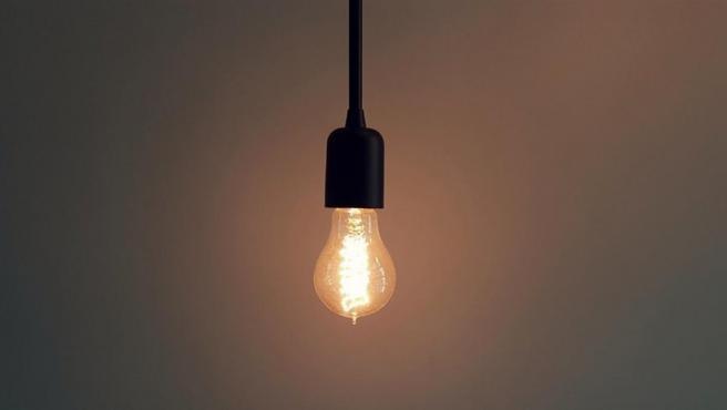 El recibo de la luz sube con respecto al año pasado.