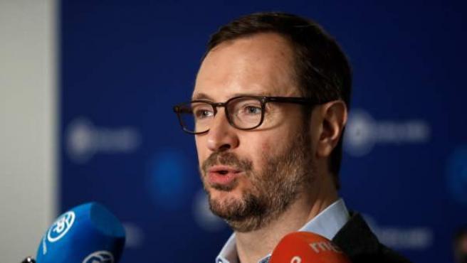 Javier Maroto, durante unas declaraciones a los medios de comunicación en la sede de Génova.