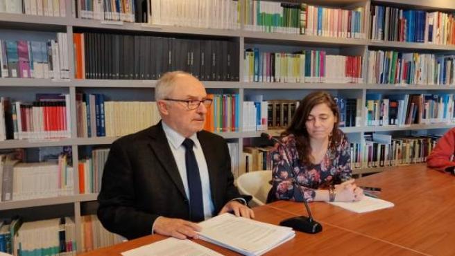 El síndic de greuges, Rafael Ribó, y la adjunta Maria Jesús Larios